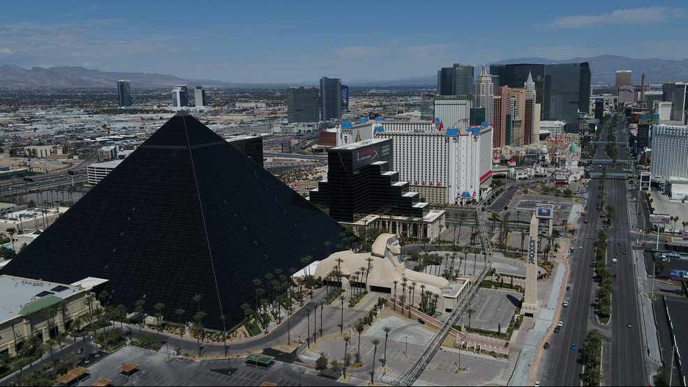 Muted And Vacant Las Vegas Struggles To Survive Shutdown Krnv