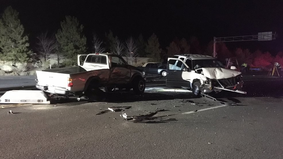 Three dead in crash at Mt  Rose Highway and Thomas Creek